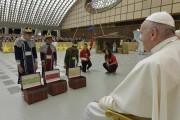 دعا بابا فرانسيس الأطفال بالأمل والحب والسلام