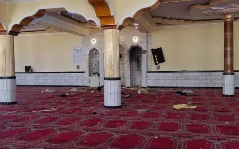 مقتل 12 في تفجير مسجد في كابول أثناء صلاة الجمعة وطالبان تنفي مسؤوليتها